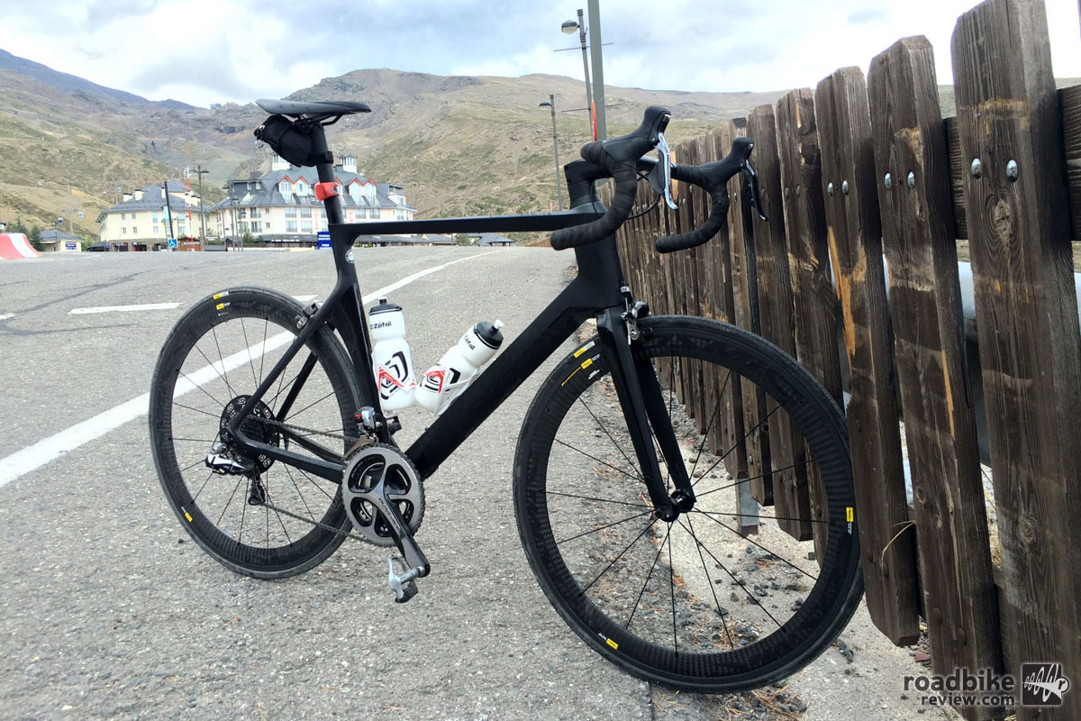 We climbed to the Sierra Nevada ski area several times aboard the Aeroad CF SLX 9.0 SL, and enjoyed both the climb and the descent.
