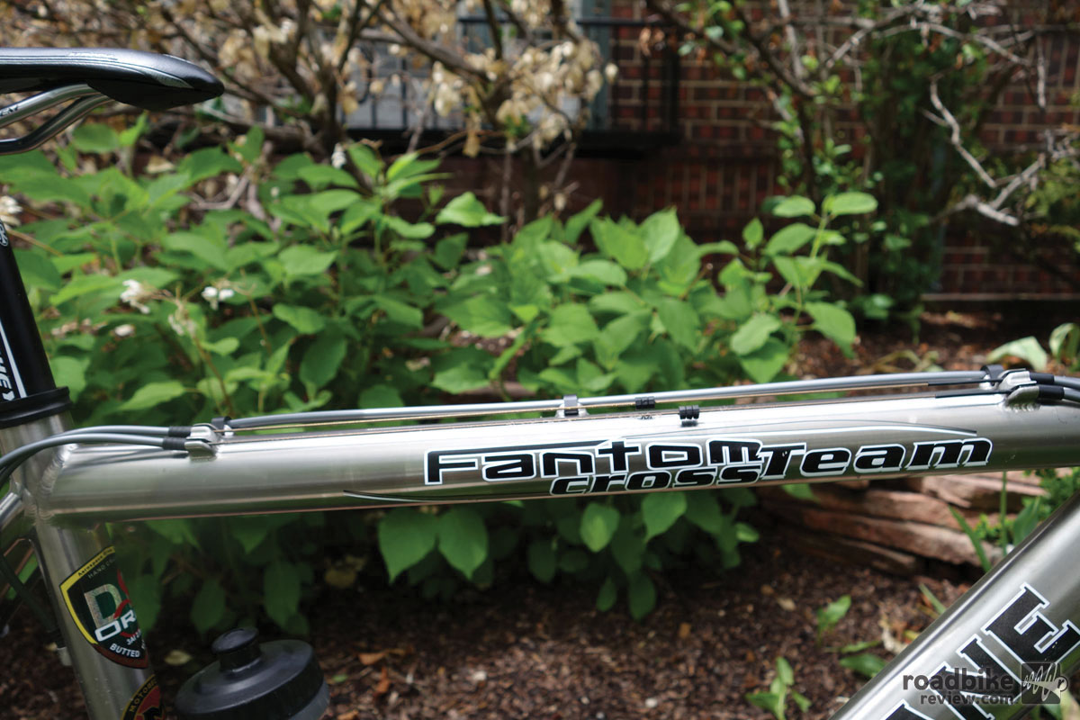 Shoulder friendly top tube for carrying.