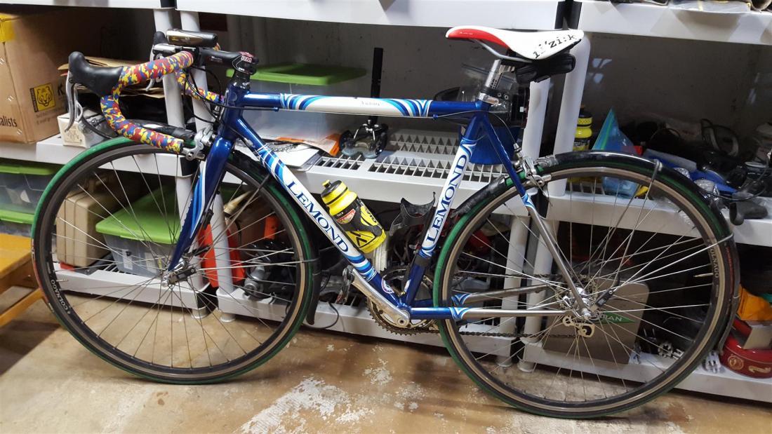 Fendered Bikes-20160315_075049-large-.jpg