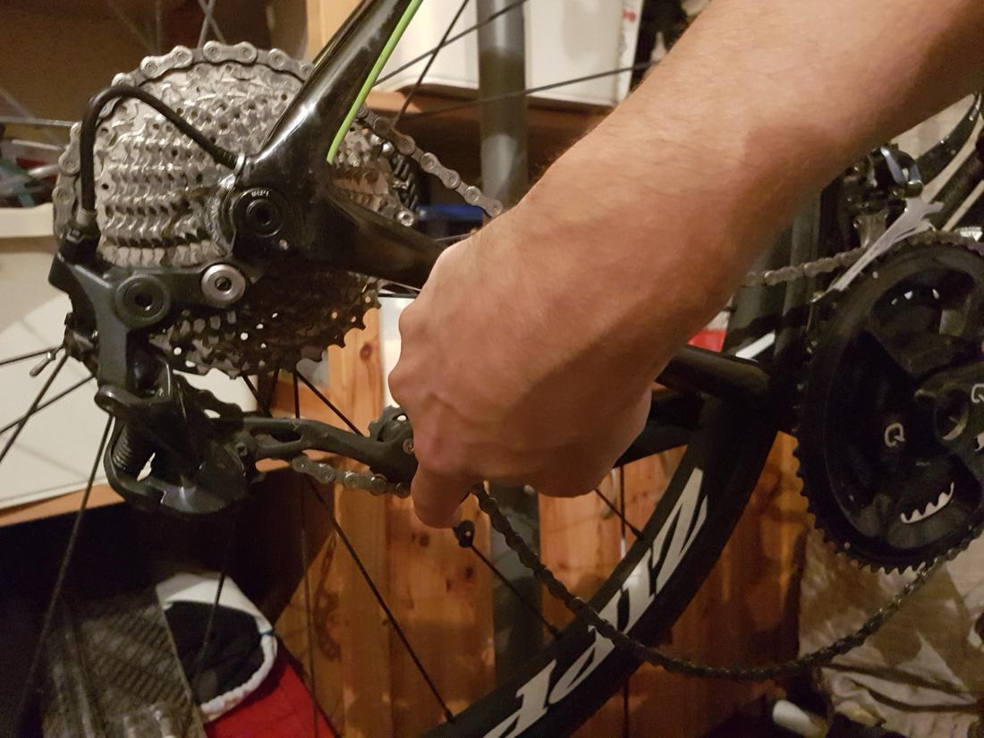 Chain dropping off right side of cassette on downhills-20180327_1922262.jpg