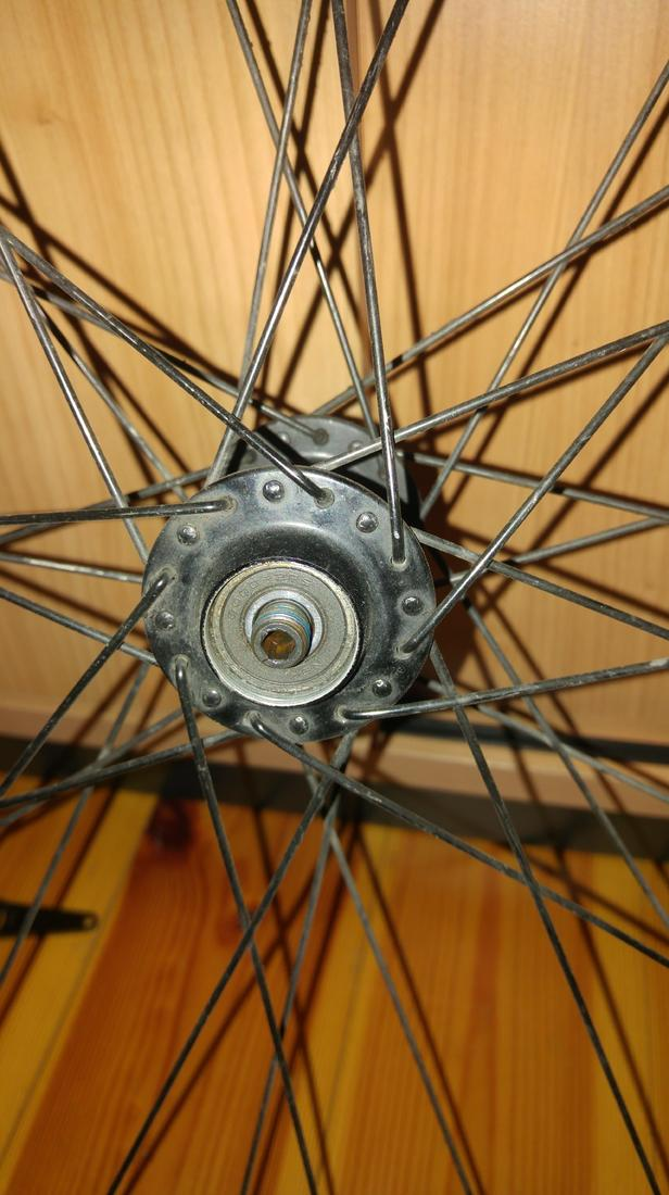 How do I remove the freehub body at this cartridge wheel system?-20180614_213130-min.jpg