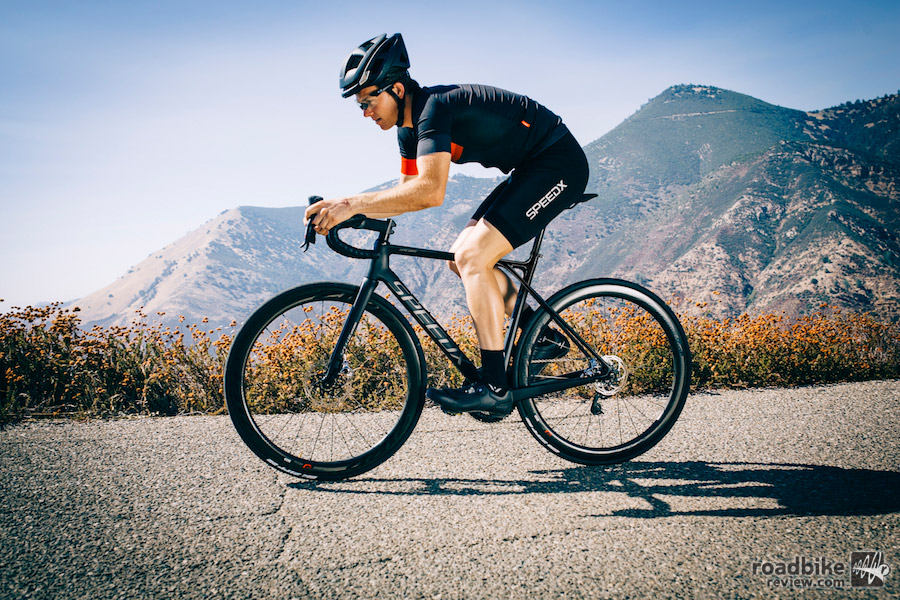 The carbon frame claims to deliver the standard performance benefits of stiffness and compliance.