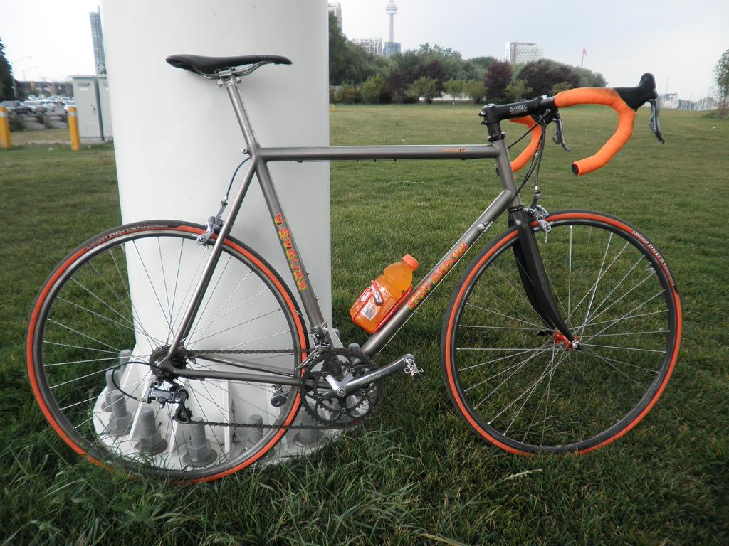 Considering Titanium Road Bike Build-4861315267_8095e1c2a0_b.jpg