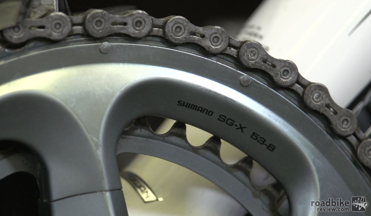 The standard chainring is 53-39, indicating the number of teeth on the large and small chainring.