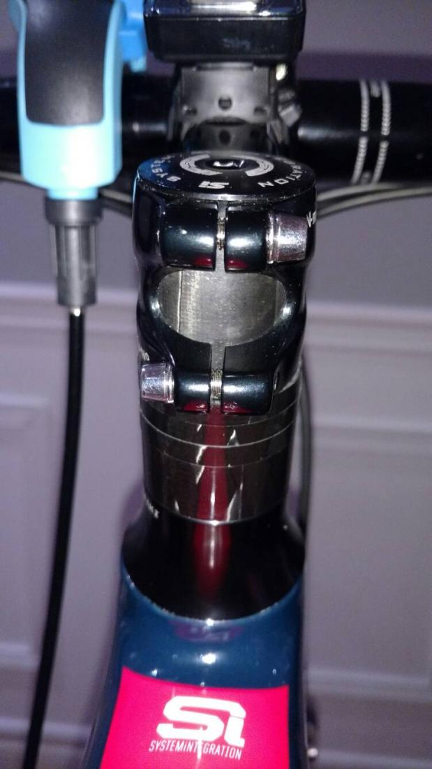 Synapse owners - does your stem looks like that on your steerer tube-86d04e98a91330776cf214634a84ac40.jpg