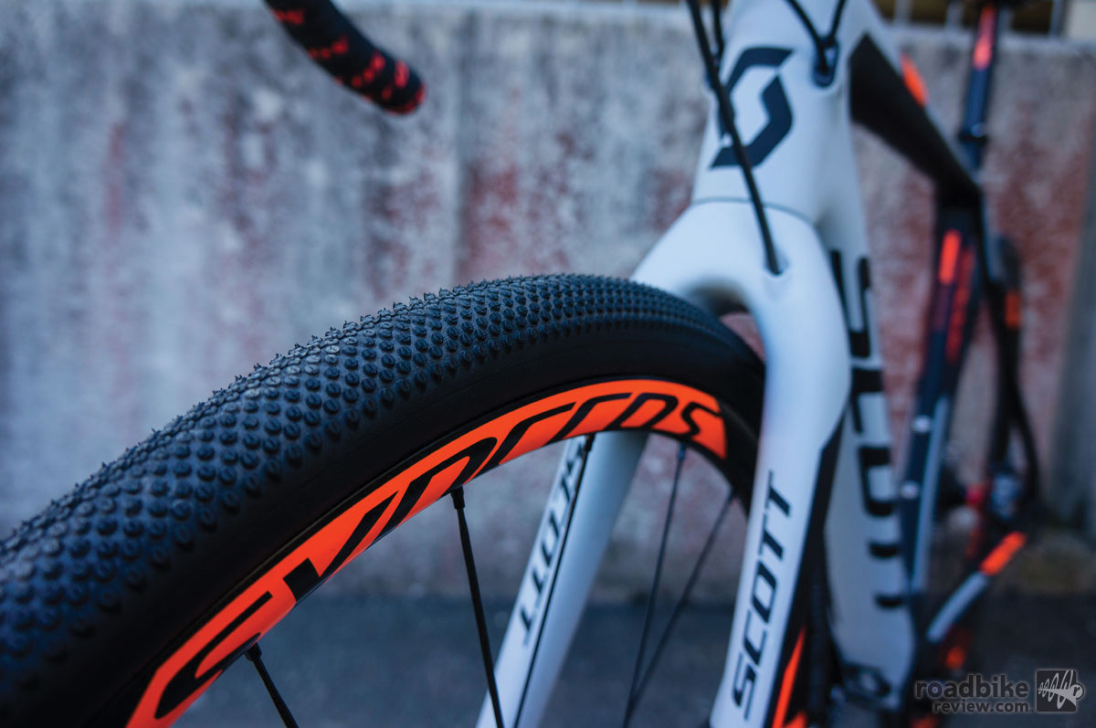 Good looking all-around tread on the new Schwalbe tires.