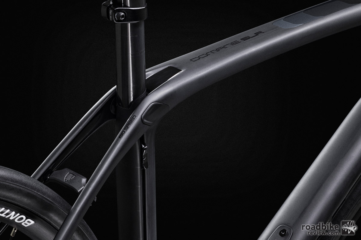 Located just behind Domane SLR's seat tube is a slider that allows the rider to control Domane SLR's vertical compliance based upon their preference or the terrain they intend to conquer.