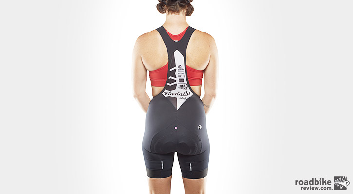 The issue of going to the bathroom in bib shorts remains on the forefront of women's minds.