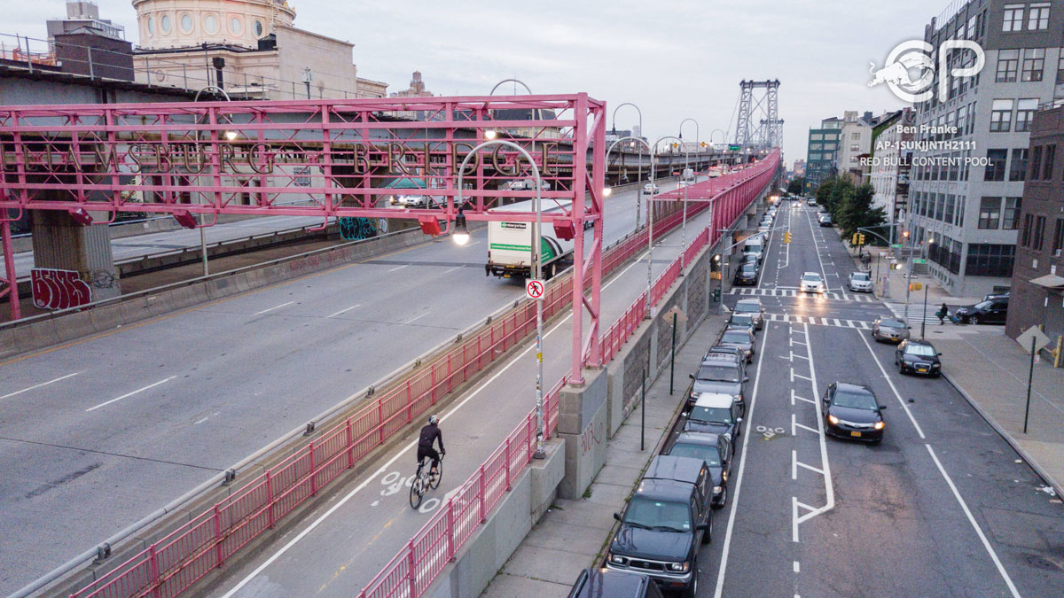 'Everesting' New York's Williamsburg Bridge