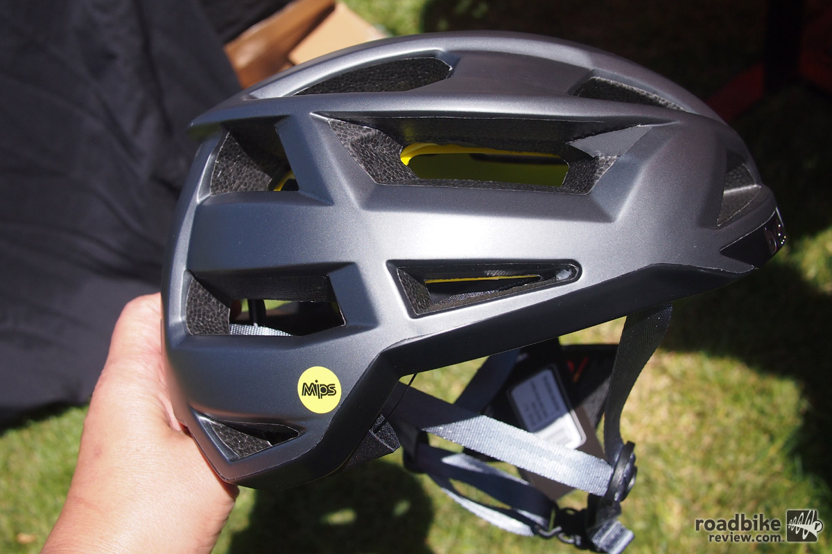 The all new FL-1 from Bern is a performance road helmet with MIPs, 18 vents and an affordable price.