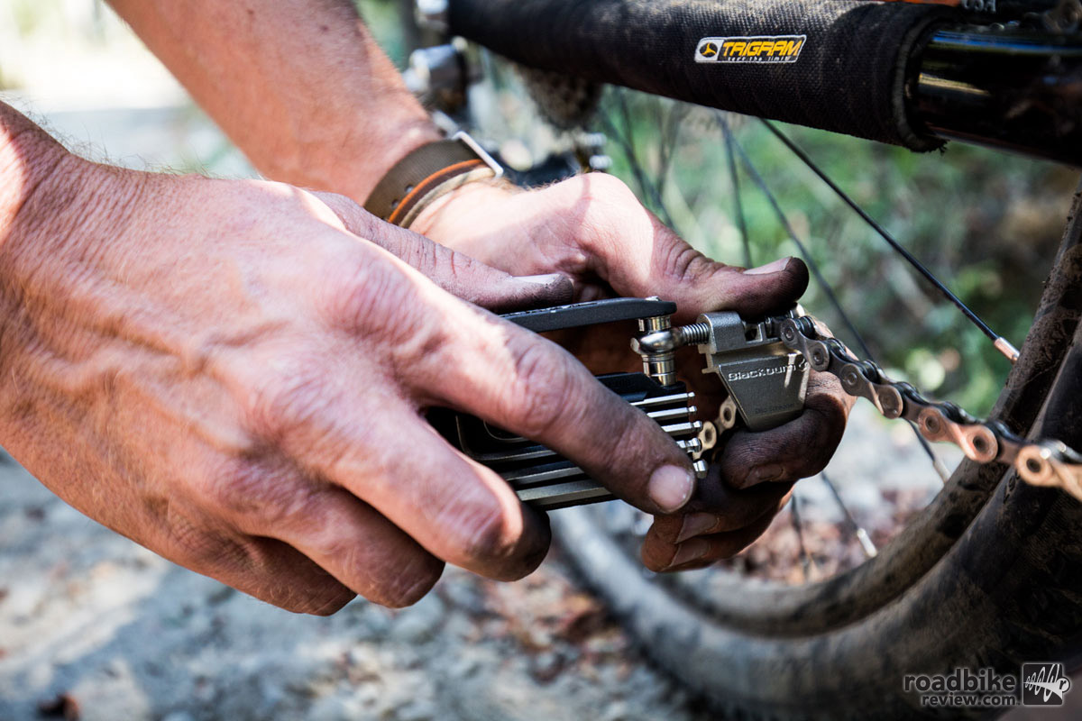 The chain tool works on 7-11-speed chains.