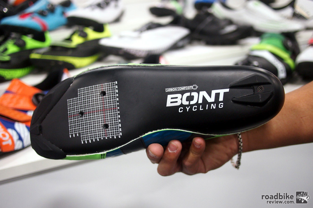 A look at the carbon composite sole of the Riot from Bont.