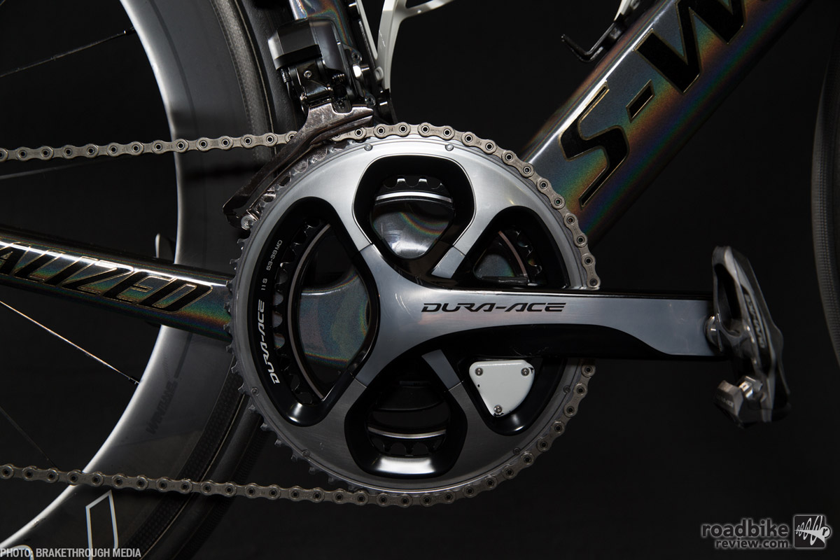 Full Dura-Ace groupset with power meter and electronic shifting of course.