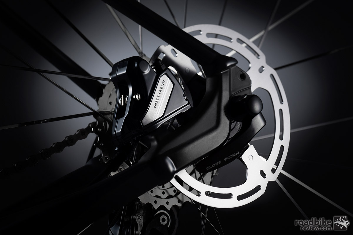 METREA includes many of Shimano's latest innovations, like flat-mount hydraulic disc calipers, and a rider tuned 1x11 crankset and wide range cassette.