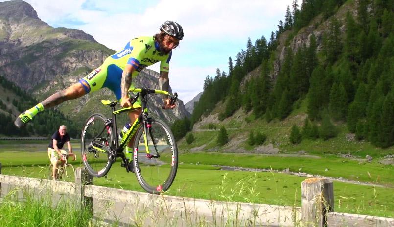 Amazing balance and skill from Vittorio Brumotti!