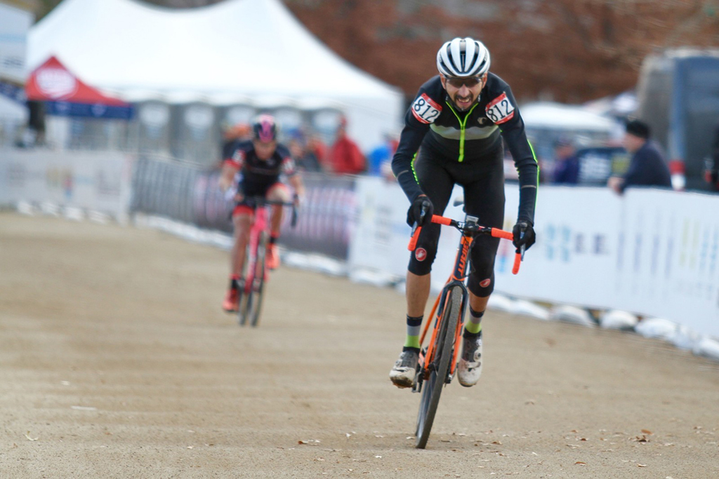 Return to racing after 5 yrs off the bike-cervantes_finish.jpg