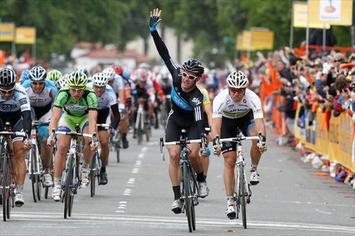 Henderson wins Stage 3