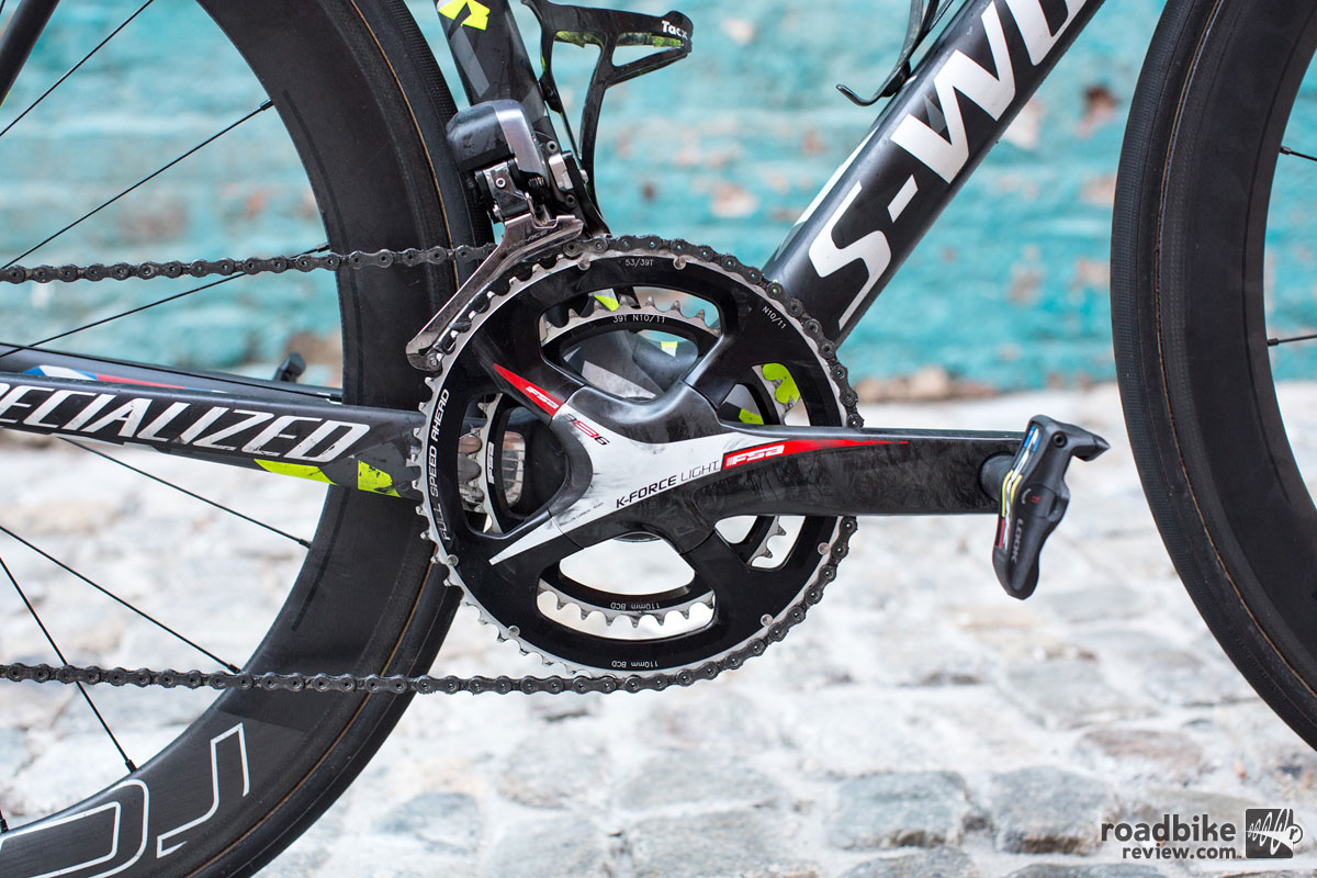 The Shimano groupset is broken up by a FSA K-Force Light crankset  with 172.5mm cranks and 53/39T chainrings.