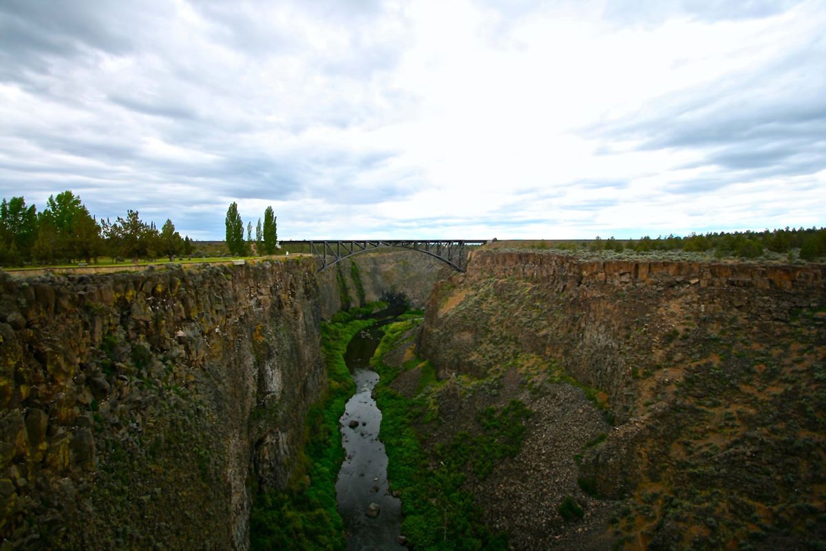 The Crooked River Gorge just north of Terrebonne was an impassible obstacle before the dawn of modern bridge building.