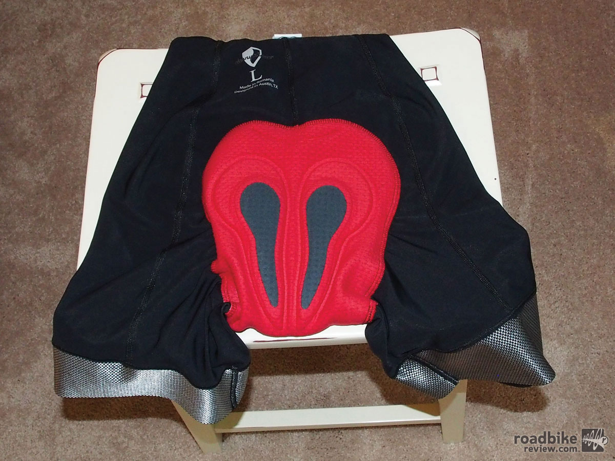 The 3D-stretch cytech chamois is rated for up to six hours.