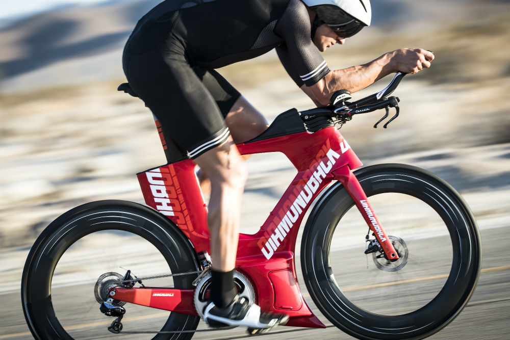 How about no disc brake threads at all for 2018-diamondback-andean.jpg
