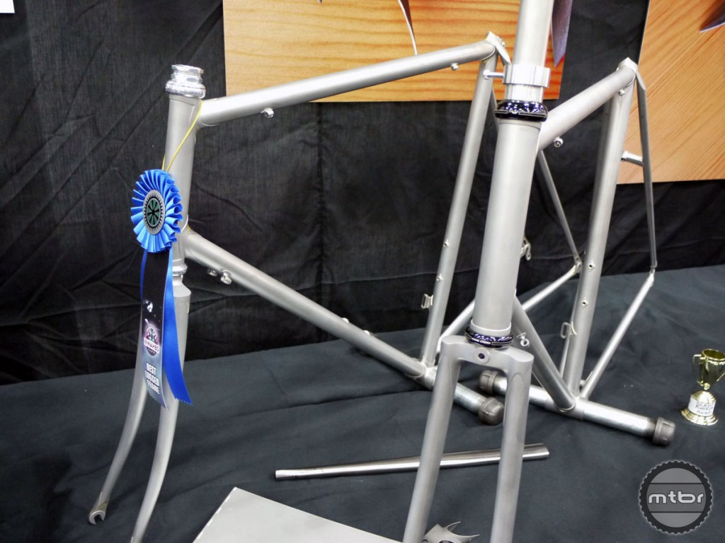 DiNucci Cycles won the Best Lugged Frame Award 2015 with a frame that captivated fans and attendees thanks to its bare-metal state.