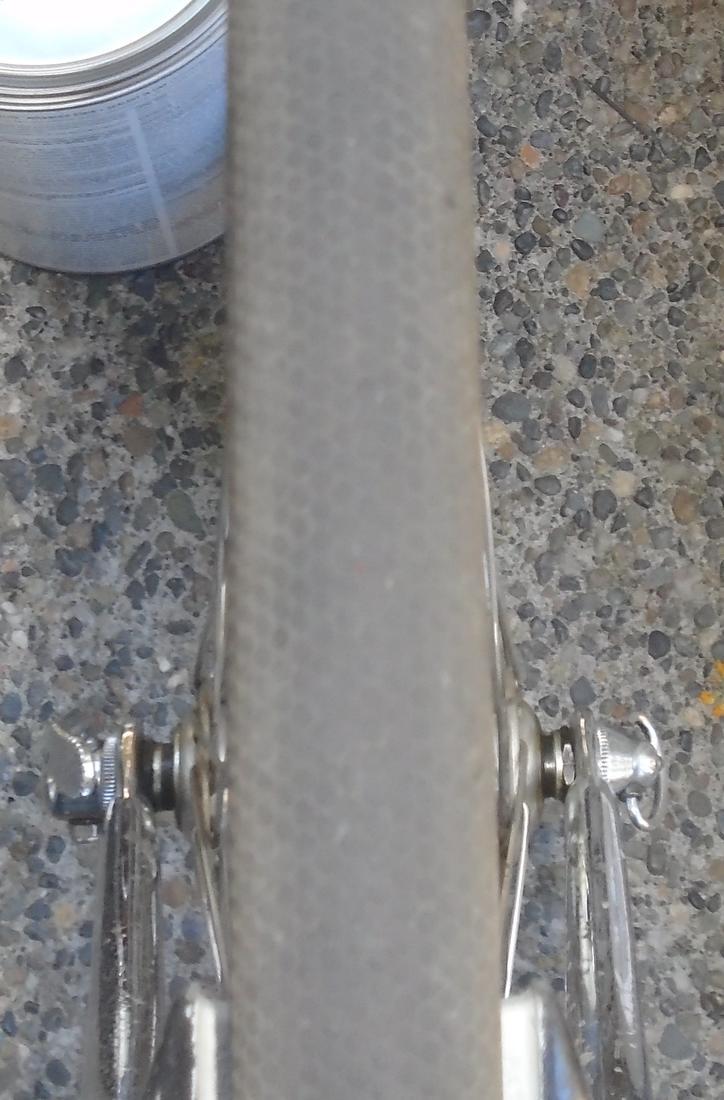 Light road bike frame that can accommodate 700 x 32 tires?-dsc01361.jpg