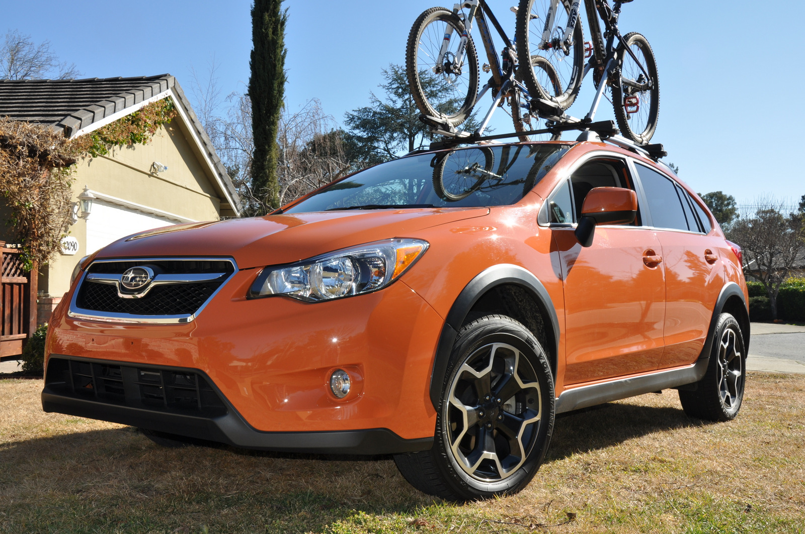 Subaru XV Crosstrek front side view