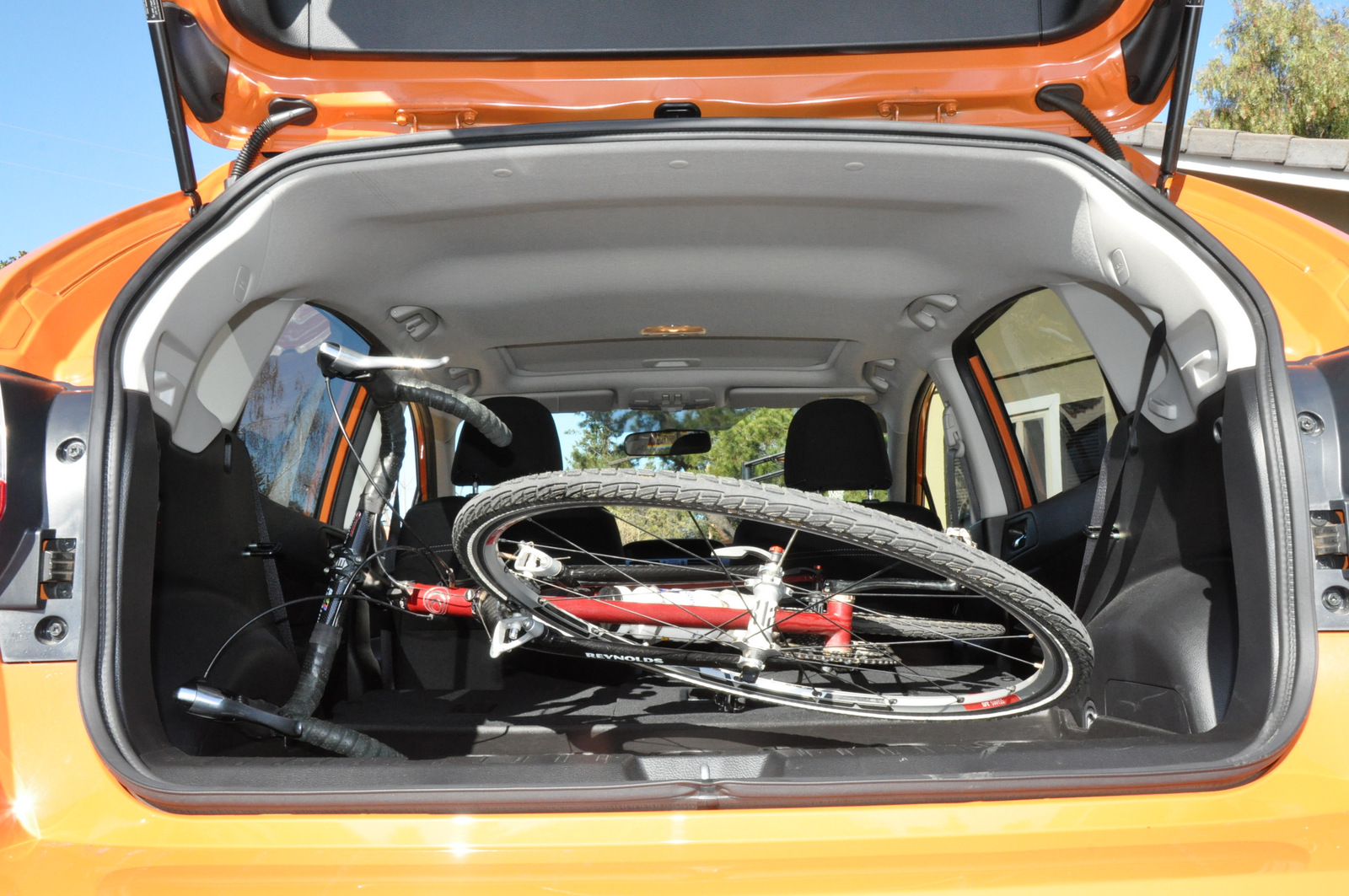 Subaru XV Crosstrek with bike