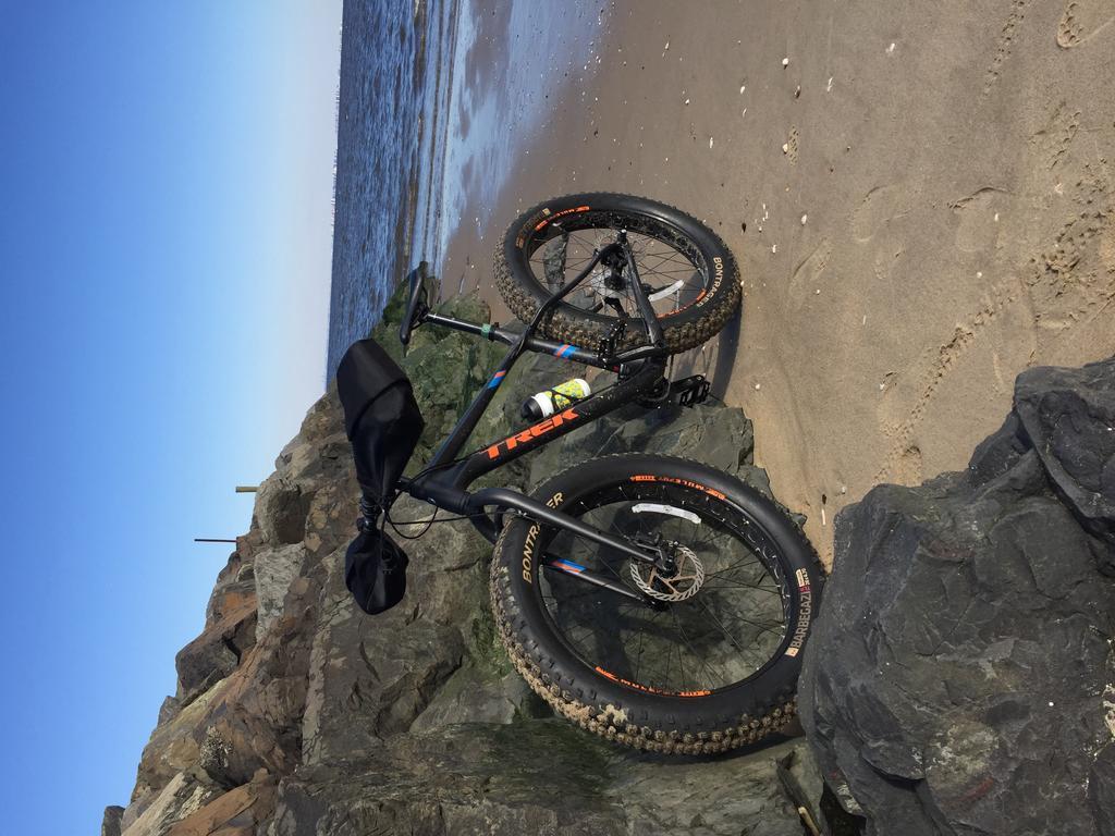 Light road bike frame that can accommodate 700 x 32 tires?-e6af10c7-f519-4a77-9641-4b06b602df59.jpg