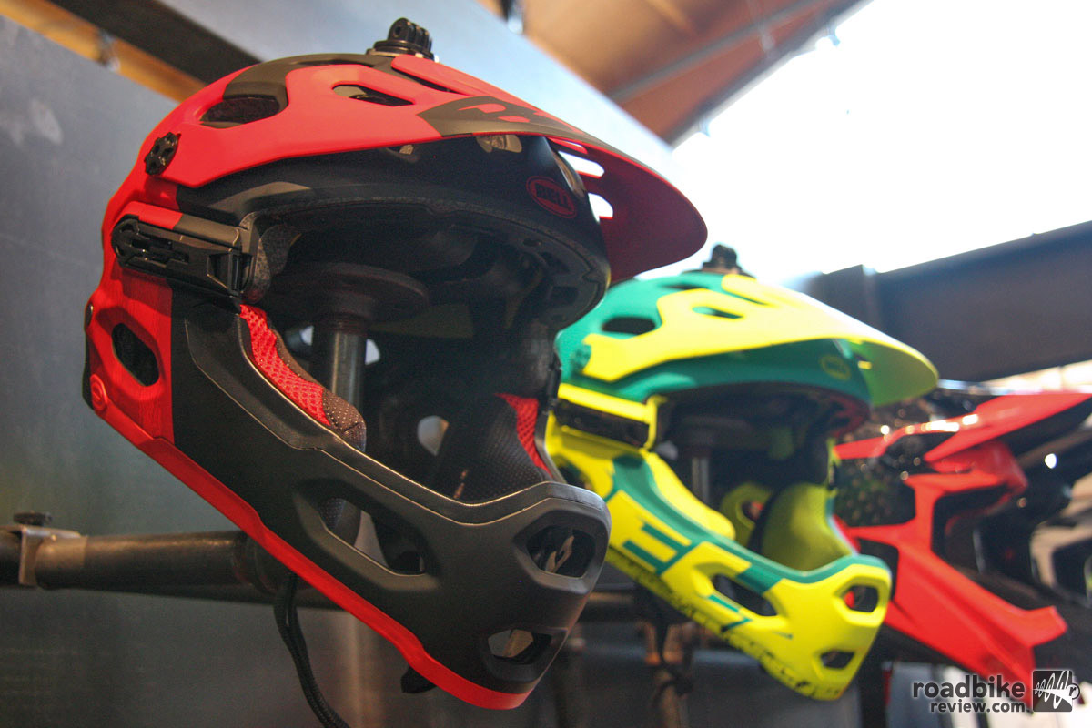 Meet the new Bell Super 3R helmet with removable chinbar. Updates from the Super 2R are focused on fit. Pads on the upper portion of the shell have been revised to improve comfort. Bell also added a new Float Fit retention system to allow for a more refined fit. The safety certification remains oriented to trail riding rather than full downhill.