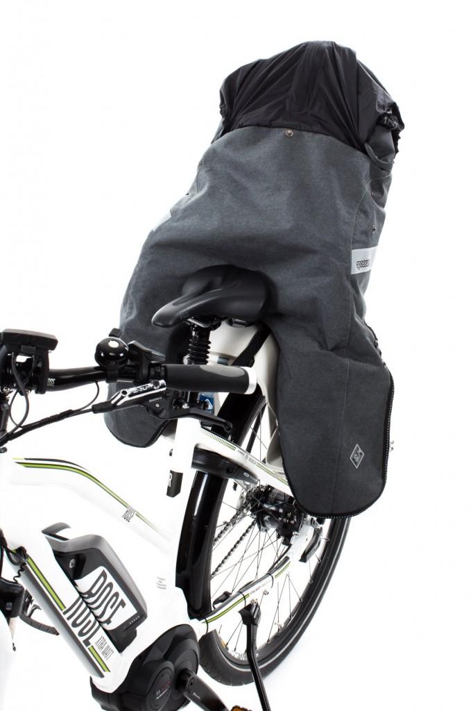 OPOSSUM: Multi-functional thermal child and childseat cover