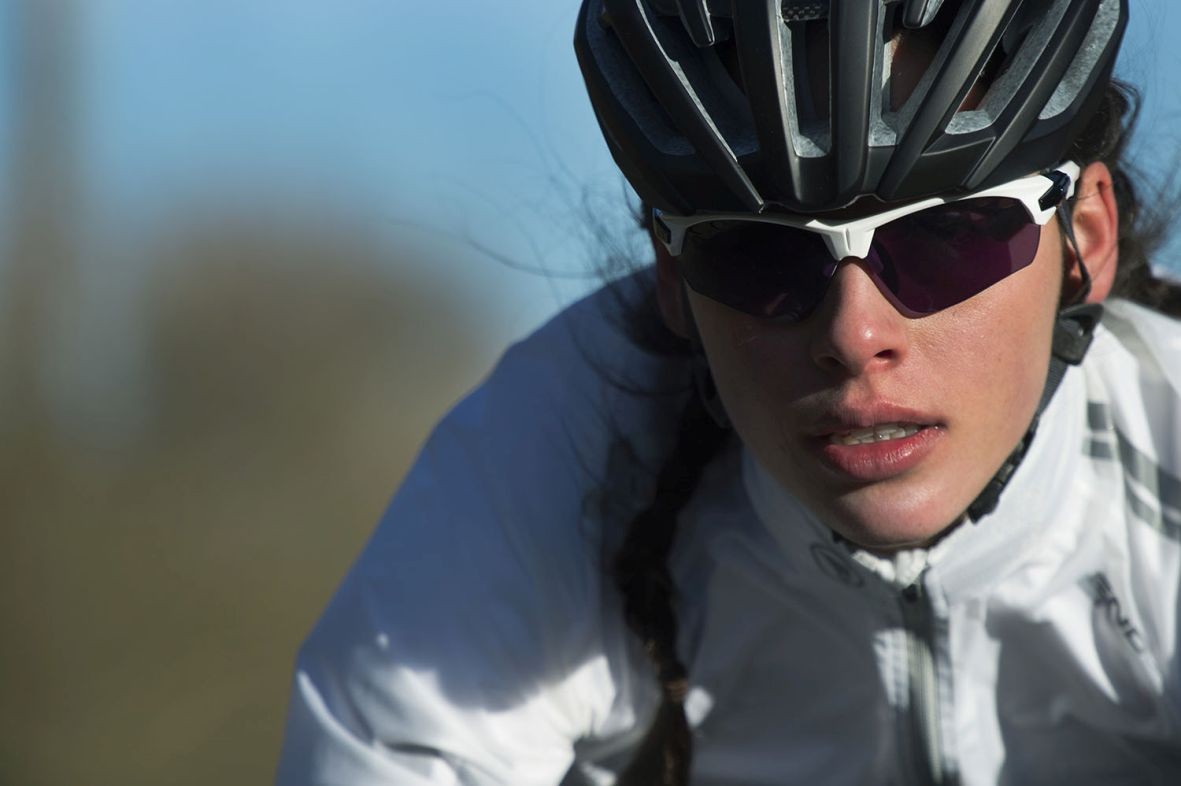 The new Endura Char comes with interchangeable high definition, low distortion, vented lenses.