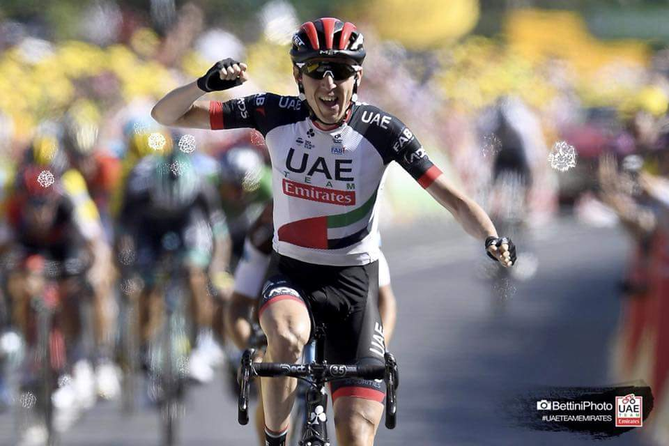 Irish rider Dan Martin wins stage 6 of the 2018 Tour de France in a zipperless jersey. Photo courtesy @BettiniPhoto | UAE Team Emirates