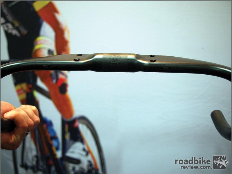 Toray 800UD carbon road bar w/ aero tops for comfort
