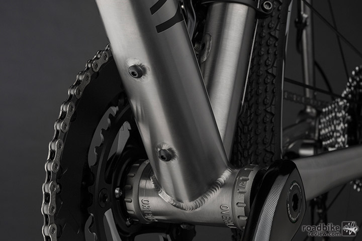 Foundry also added a third water bottle cage mount to the underside of the Overland's downtube.