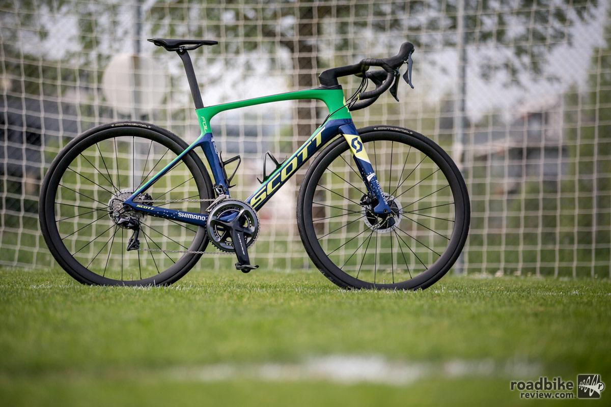 Neymar S Custom Scott Foil Disc Road Bike News Reviews