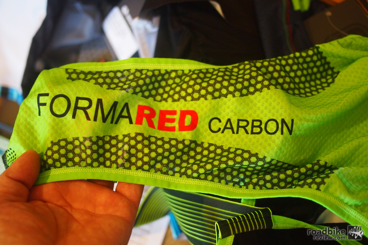 Forma Red Carbon