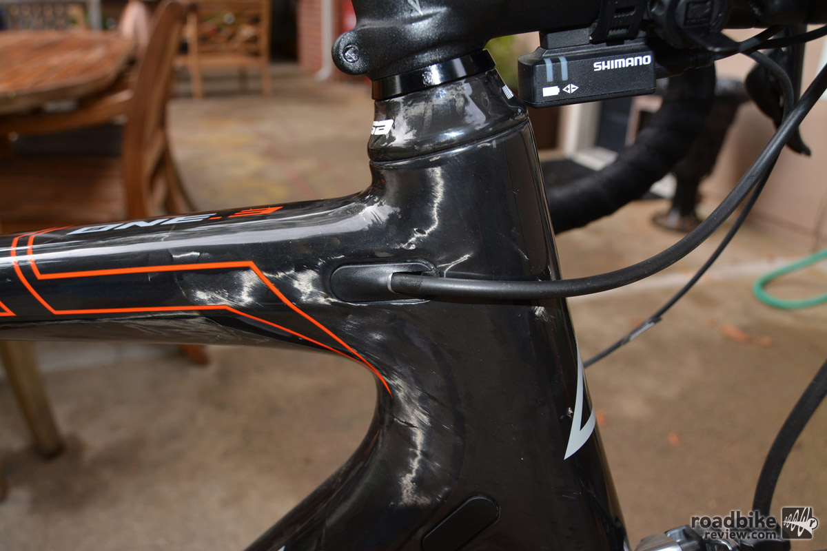 Internal cable routing maintains the bike's stealth look.