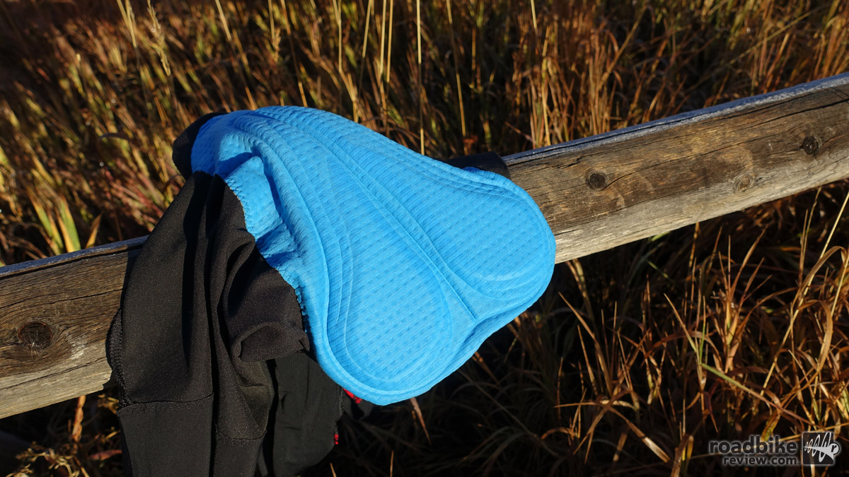 The chamois used on the Oxygen 2.0 shorts is a simple multi-layer affair that was very comfortable.
