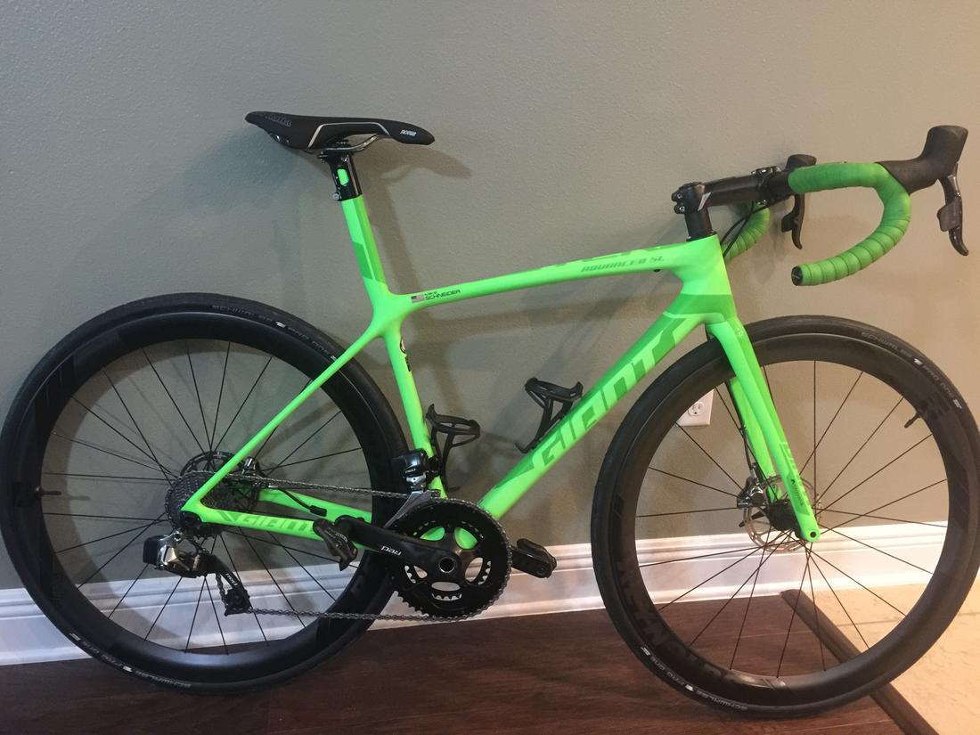 Anyone riding the 2017 TCR disc?-greenlightning.jpg