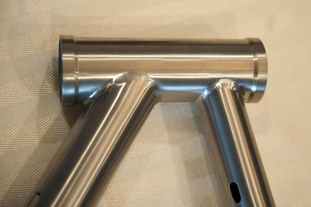 Waltly Titanium, anyone own one?-head-tube.jpg