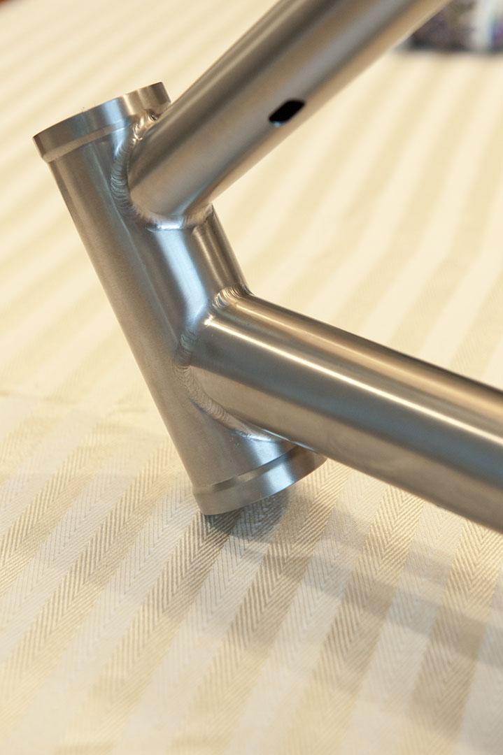 Waltly Titanium, anyone own one?-head-tube2.jpg