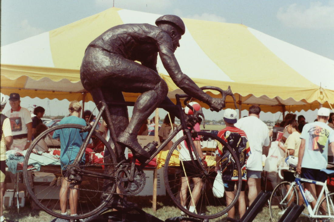 Your best cycling Pic without you or your bike in Pic.-hhhstatue.jpg