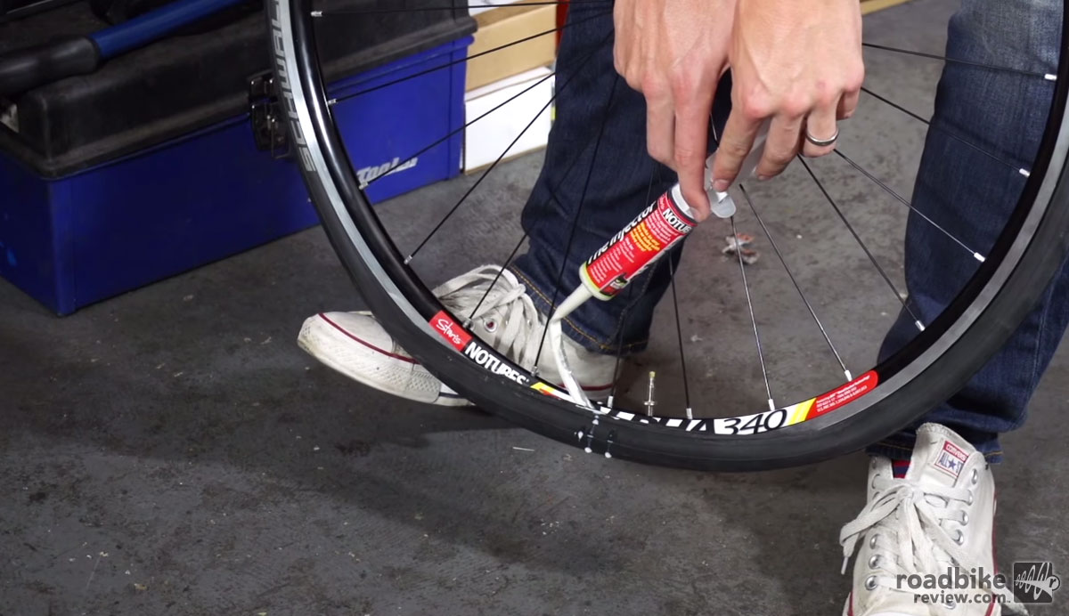 How to Fit Road Tubeless Tires