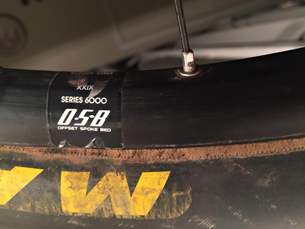 Extra thick skewer for older 135mm Bontrager rear MTB disc hub?-image5.jpg