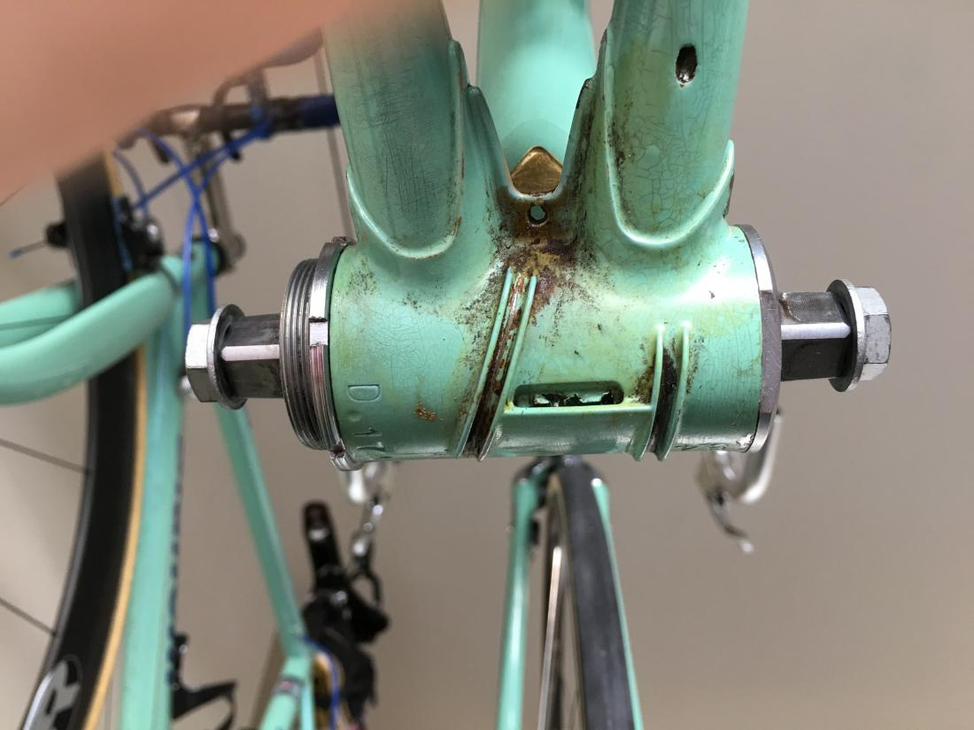 Campagnolo cup and cone bottom bracket-img_0680.jpg