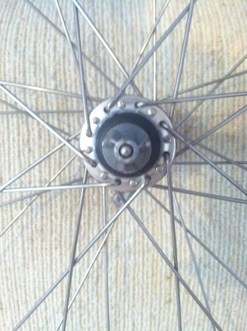 Newbie (Re)Building First Wheel-img_1285.jpg