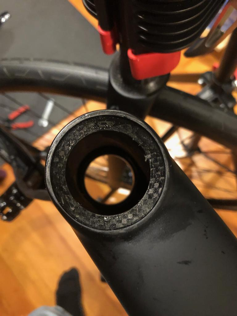 Headset - Is this acceptable on a brand new bike?-img_2207.jpg