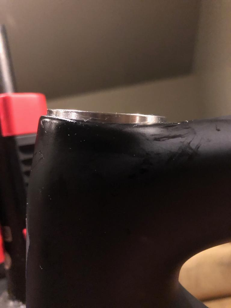 Headset - Is this acceptable on a brand new bike?-img_2215.jpg